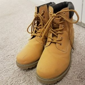 High Top Tan Timberland Boots